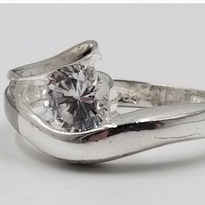 Jewelry - Sterling silver cz ring size 7